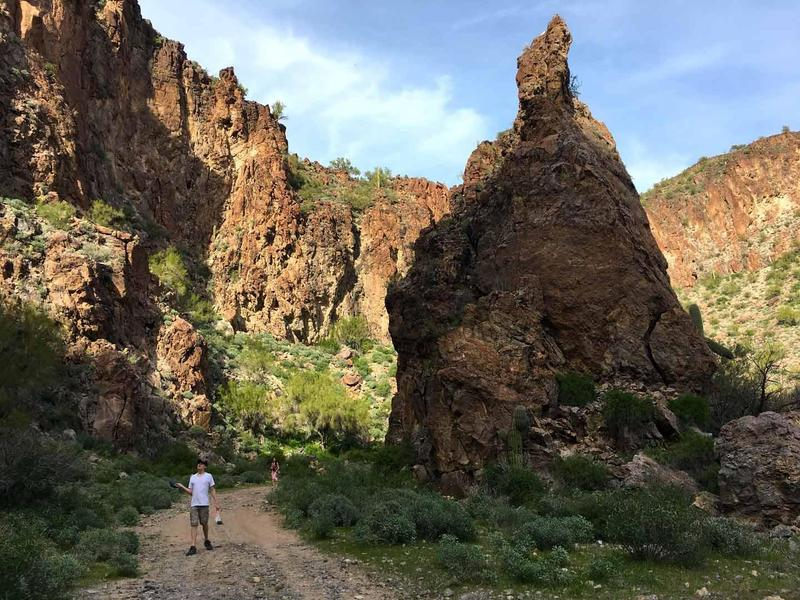 Five easy & interesting hikes within 66 miles of Kingman
