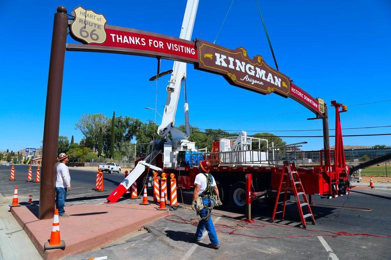 Kingman Welcome Arch installation